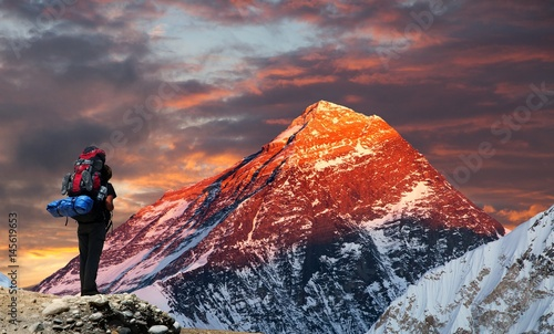 Fotografie, Obraz  Mount Everest from Gokyo valley with tourist
