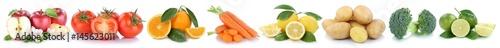Obst und Gemüse Früchte Äpfel, Orangen Zitronen Tomaten Essen Freisteller in einer Reihe © Markus Mainka