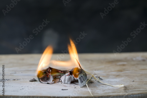Fotografie, Obraz  Burning Euro