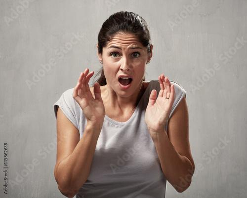 Scared afraid woman Canvas-taulu