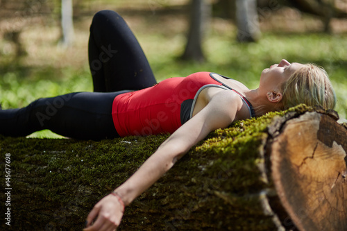 Poster Ontspanning Young woman relaxing outdoor