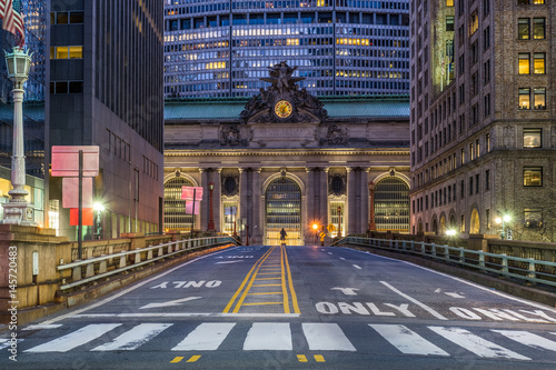 Grand Central Terminal in New York City at night Tablou Canvas