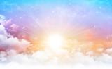 Słońce na pięknym niebie - 145791484