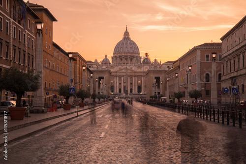 Photo  Petersdom Vatikan