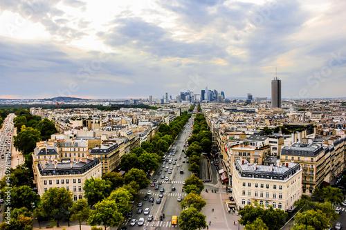 Papiers peints Paris View of Champs Elysees from the Arc de Triomphe in Paris, France