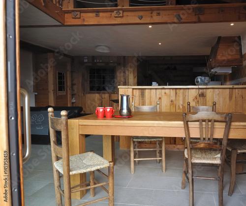 intérieur bois d\'un chalet - Buy this stock photo and ...