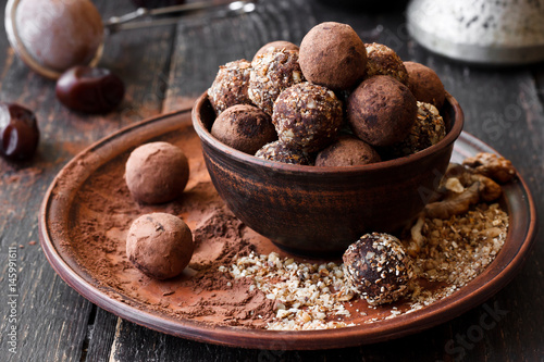 Photo sur Aluminium Confiserie Vegan homemade truffles