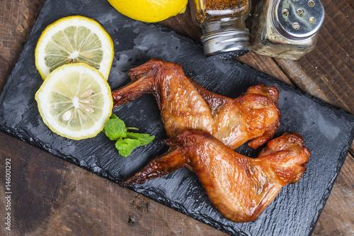 Foto op Aluminium Kip BBQ chicken on the table