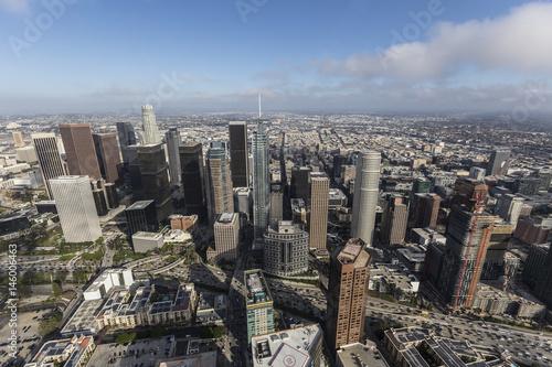 Plakat Widok z lotu ptaka centrum góruje w Los Angeles, Kalifornia.
