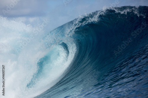 Poster Water Large scale wave, Tahiti, South Pacific