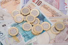 UK Money Banknotes And Pound C...
