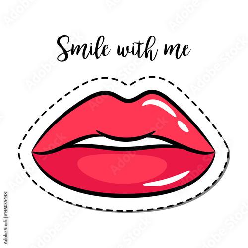 czerwone-usta-na-bialym-tle-z-napisem-usmiechnij-sie-do-mnie