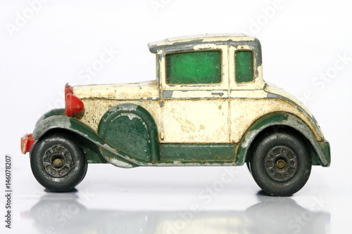 zabytkowy-samochod