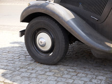 Front Wheel, Wheel Arch And Running Board