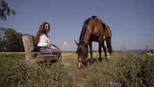 Pretty Woman And Brown Horse M...