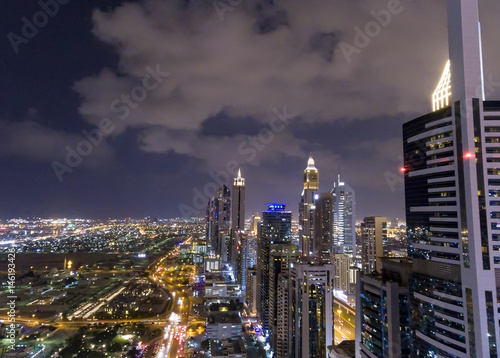 Photo  Aerial night view of Downtown Dubai skyline