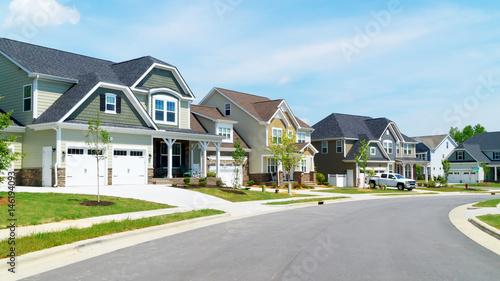 Fényképezés  Street of suburban homes