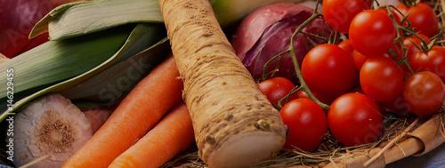 Photo  Vegetarisch Gesunde Bio Gemüse in einem Korb