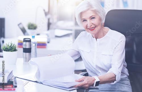 Photo  Kind smiling boss looking at camera