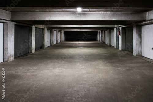 Garage Sous Sol Parking Sombre Beton Batiment Dock Buy This Stock