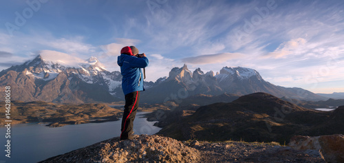 Tablou Canvas Photographer in a national park Torres del Paine, Patagonia, Chile