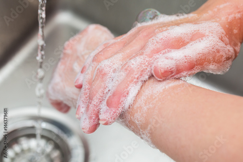 Cuadros en Lienzo  Hygiene. Cleaning Hands. Washing hands with soap