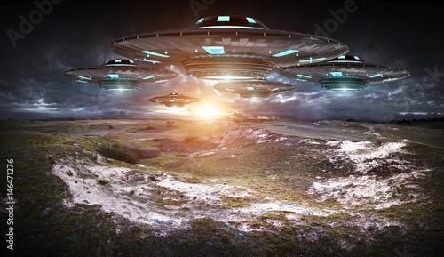 Zdjęcie XXL Inwazja UFO na planecie Ziemi landascape renderingu 3D