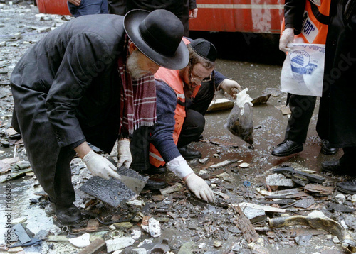 Ultra-religious Jews search for bodies pieces of victims in