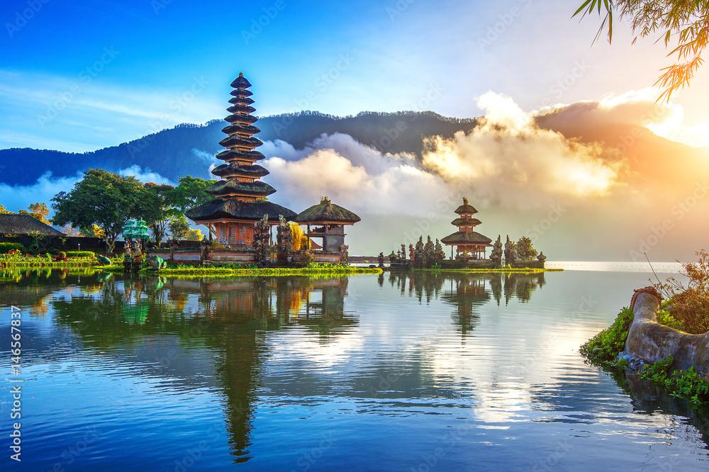 Fototapety, obrazy: pura ulun danu bratan temple in Bali, indonesia.