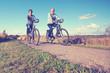 Aktivität in der Freizeit, Senioren mit Fahrrad, Lebensfreude