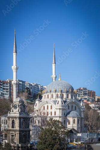 Fototapeta Beautiful Nusretiye Mosque, Nusretiye Camii obok Istanbul Modern Gallery, w Kilicali Pasa Mahallesi, Beyoglu, Istanbul Turkey