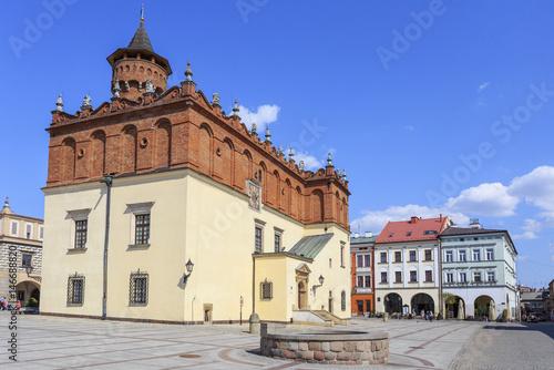 Fototapeta Tarnów, widok na renesansowy ratusz oraz kamienice rynku staromiejskiego od strony południowo-zachodniej
