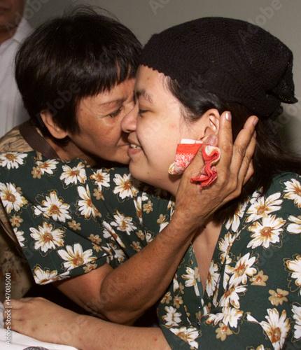 Filipino kisses international dating philippines