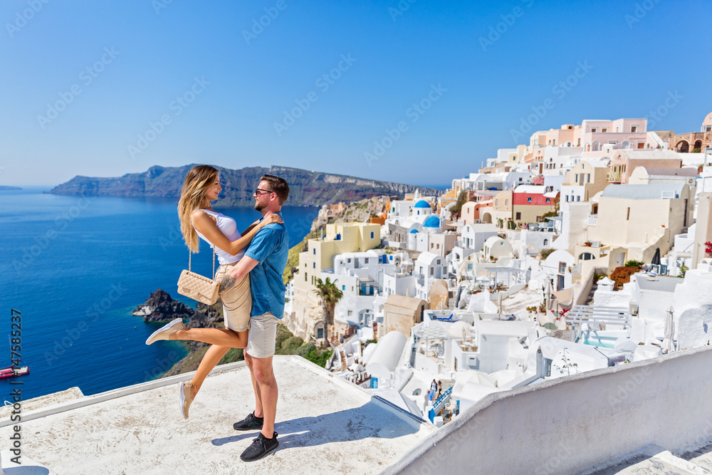Fototapety, obrazy: Young couple on island of Santorini