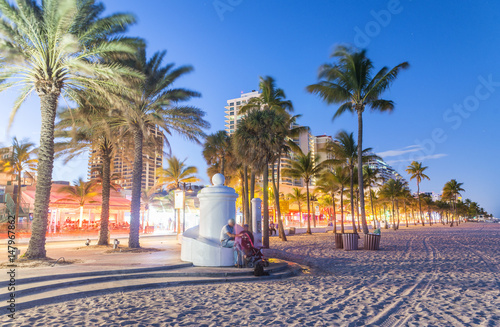 Canvas Print Fort Lauderdale at night. Amazing lights of Beach Boulevard