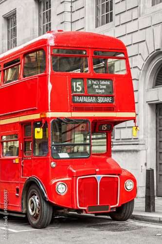 Fototapety, obrazy: Red bus in London