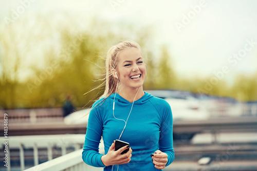 Poster Jogging Blonde woman is jogging