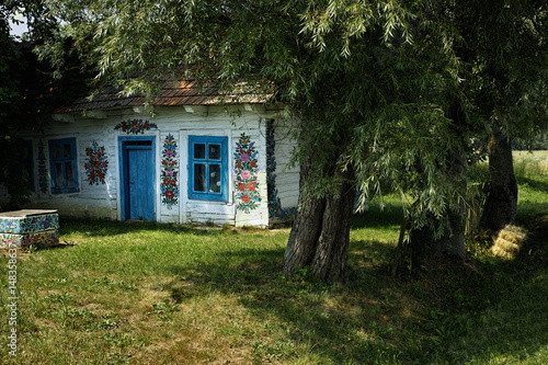 Foto Wooden Farmhouse in Zalipie, Poland