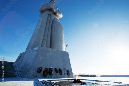 Fotografia  Defenders of the Soviet Arctic monument in Murmansk