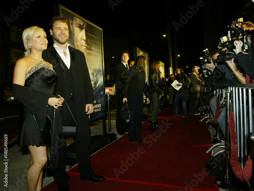 RUSSELL CROWE AND WIFE DANIELLE SPENCER AT PREMIERE OF MASTER