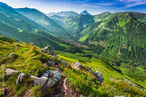 Obraz Piękny świt w górach Tatry, Polska, Europa - fototapety do salonu