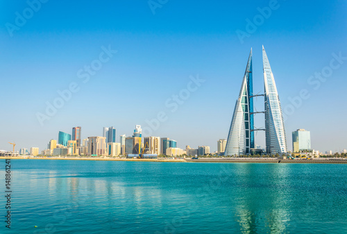 Skyline of Manama dominated by the World trade Center building, Bahrain Fototapet