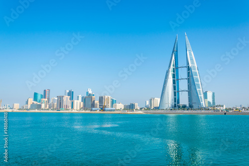 Staande foto Midden Oosten Skyline of Manama dominated by the World trade Center building, Bahrain.