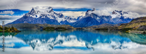 Photo  Reflection of Cuernos del Paine at Lake Pehoe - Torres del Paine N