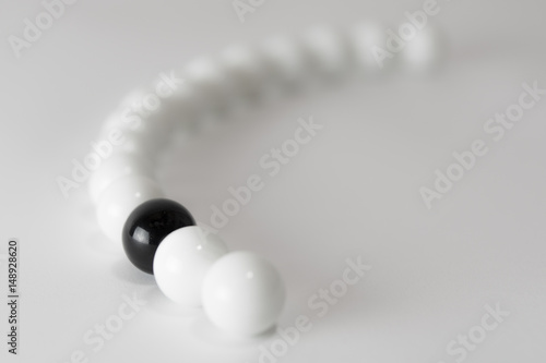 Plakat Kulki czarno-białe - seria 1