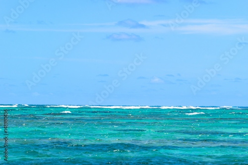 Staande foto Oceanië View of horizon line with summer sky and blue turquoise ocean water