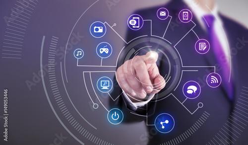 Fotografía  Business man touch screen concept - Multimedia