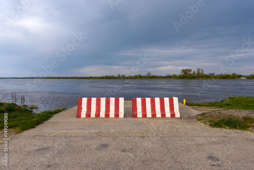 In de dag Inspirerende boodschap The bank of Vistula river near Gniew in Poland. Closed ferry car point.