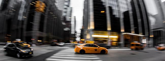 Straßenverkehr in New York City - Gelbe Taxi, Bewegungsunschärfe