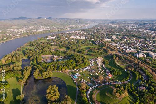 Zdjęcie XXL Bonn - widok na park rozrywki Rheinaue do Siebengebirge